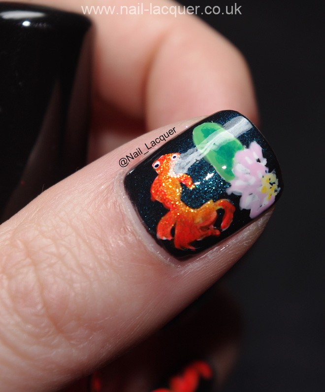 20090101-goldfish nail art (4)