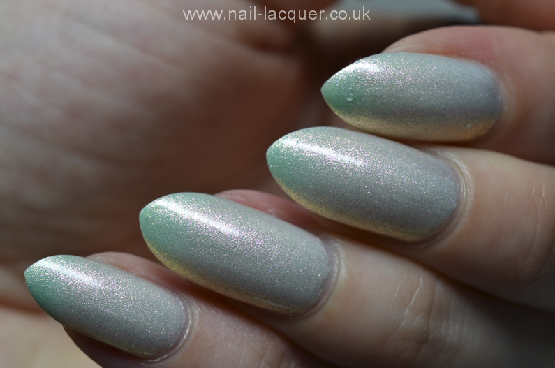 F.U.N-Lacquer-pink-tulips-on-the-green (3)