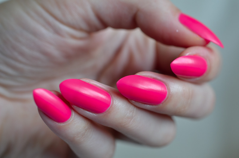 Love-your-nails-neons-from-B&M (32)