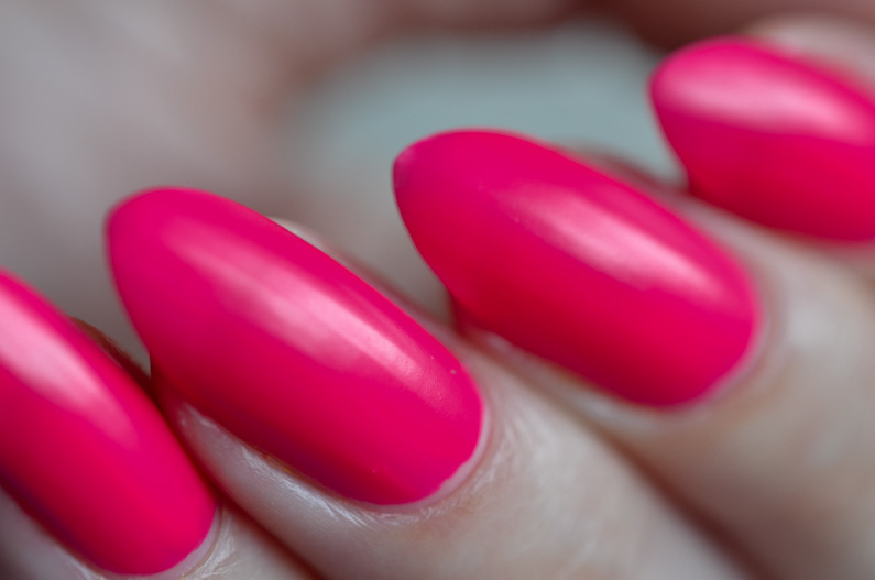 Love-your-nails-neons-from-B&M (33)