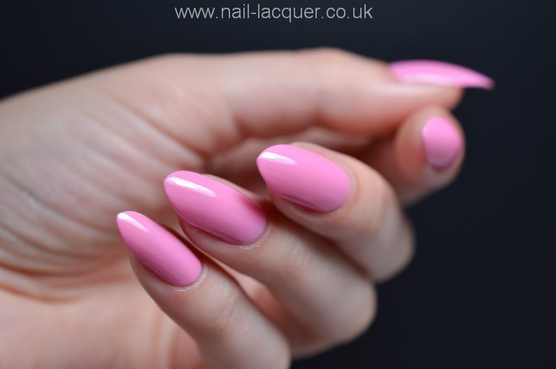 OPI-hELLO-Flamingo-collection-swatches-and-review (19)