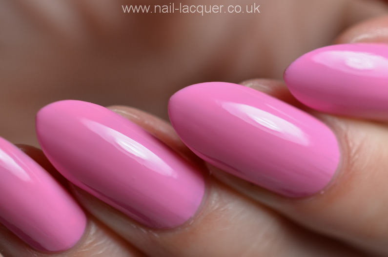 OPI-hELLO-Flamingo-collection-swatches-and-review (23)