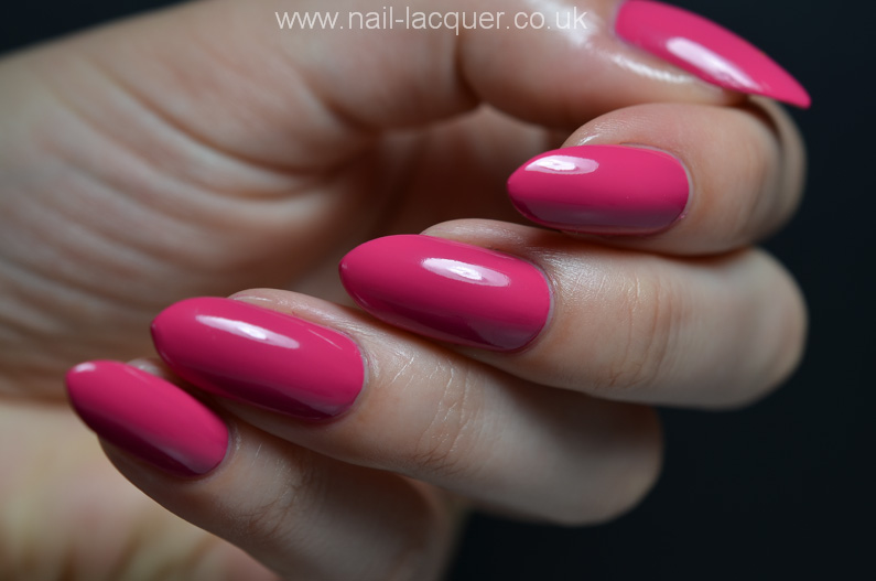 OPI-hELLO-Flamingo-collection-swatches-and-review (37)