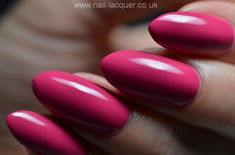 OPI-hELLO-Flamingo-collection-swatches-and-review (41)