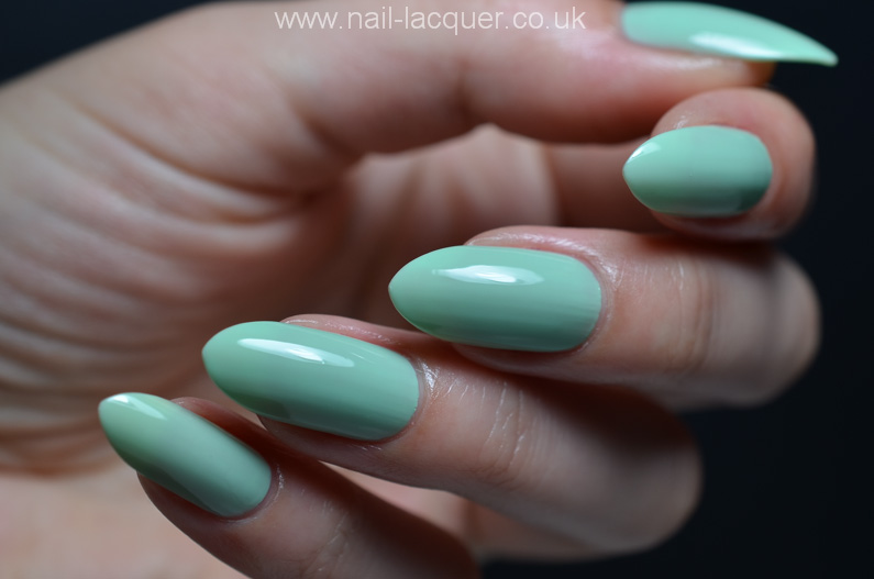 OPI-hELLO-Flamingo-collection-swatches-and-review (42)