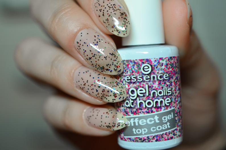 essence-effect-gel-top-coat-04-glitterland-swatches-and-review (2)