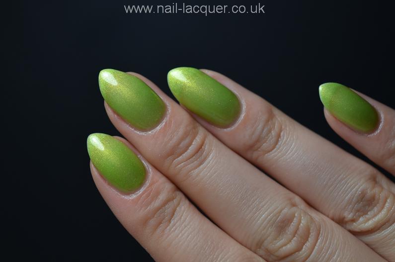 nyk1-secrets-soak-off-gel-polish-starter-kit-review (26)