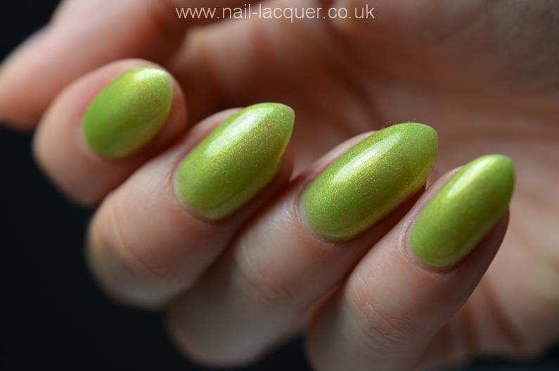 nyk1-secrets-soak-off-gel-polish-starter-kit-review (27)