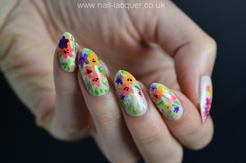 summer-flowers-nail-art-tutorial (1)