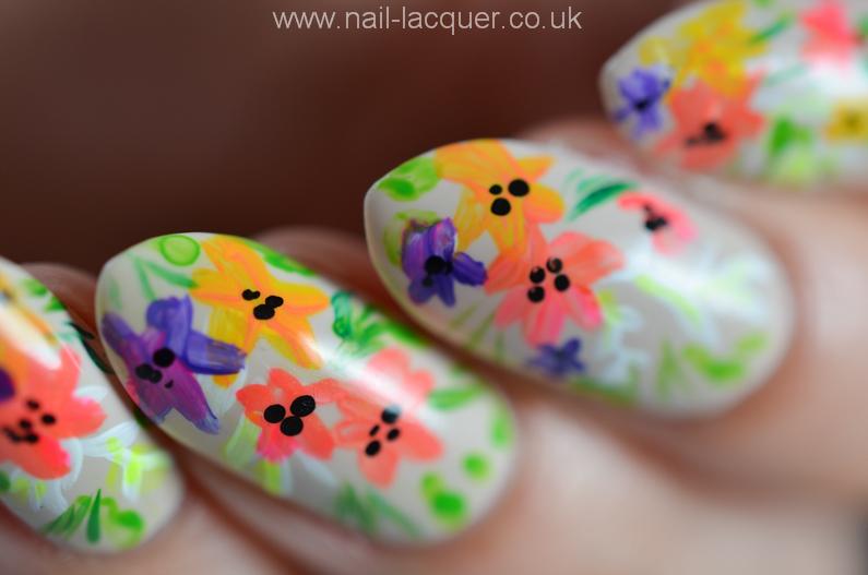 summer-flowers-nail-art-tutorial (2)