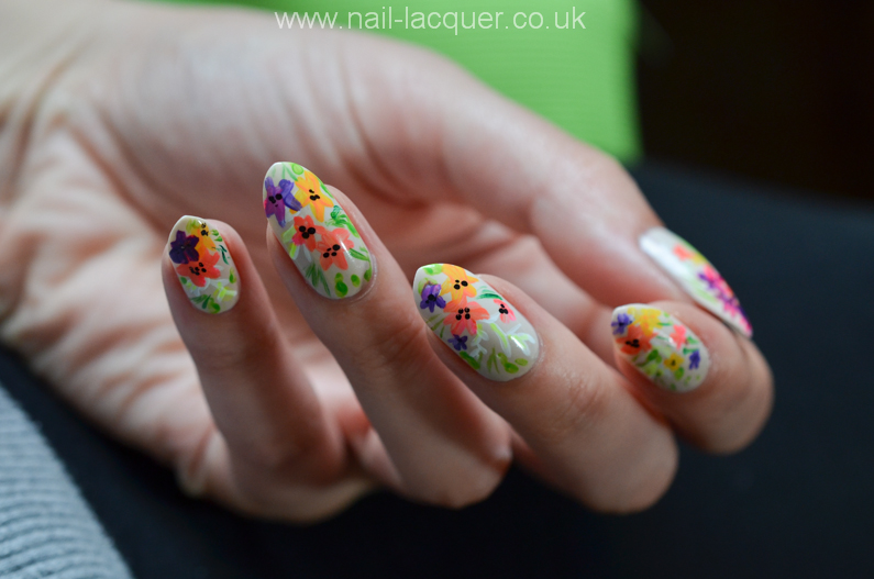 summer-flowers-nail-art-tutorial (6)