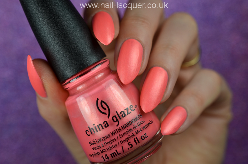China-Glaze-Flirty-Tankini-swatches-and-review (2)