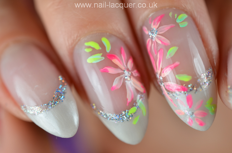 french-manicure-with-flowers (7)