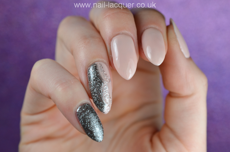 NailFX-gel-polish-in-nude-and-gun-metal (3)