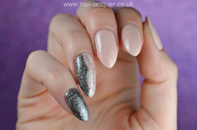 NailFX-gel-polish-in-nude-and-gun-metal (3)