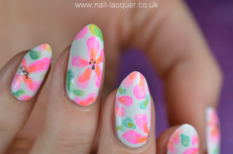 watercolour-flower-nail-art-tutorial (12)