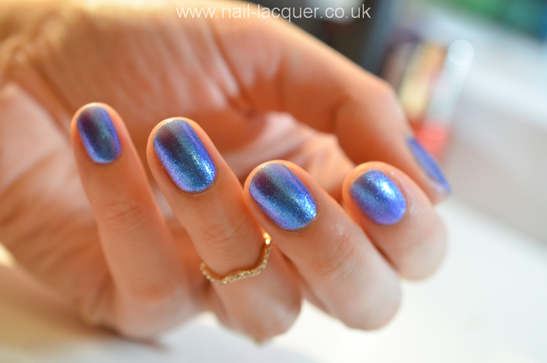essence-lady-mermaid-swatch (6)