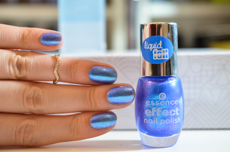 essence-lady-mermaid-swatch (7)