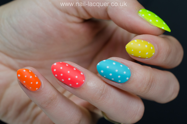 dotted-nails (2)