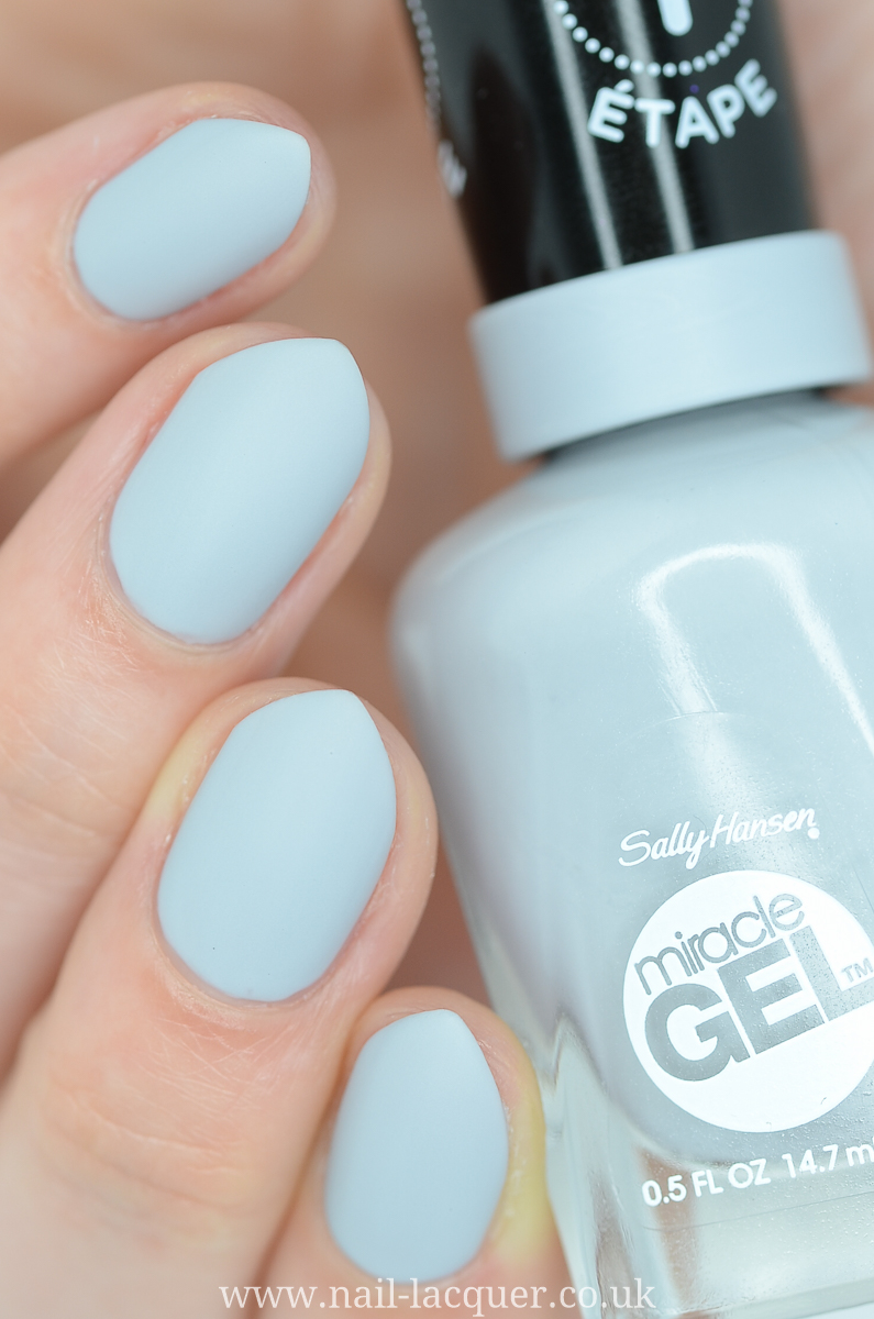 Sally Hansen Miracle Gel Matte top coat review and swatches
